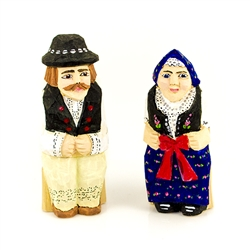 Hand carved and painted, this Polish couple are dressed in the folk costume from Slask (Silesia).