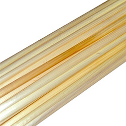 "Pure natural straw for crafting, from the area of Lublin Poland.   This packet contains straws of varying lengths approx. 12"" - 23""  30cm - 59cm."