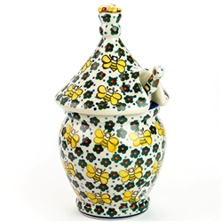 "A beautiful honey pot pattern designed by master artist Jacek Chyla!  Set include pot, top and matching dipper. The artist has been connected with the Artistic Handicraft Cooperative ""Artistic Ceramics and Pottery"" since 1986. Since 1994 he has been a pat"