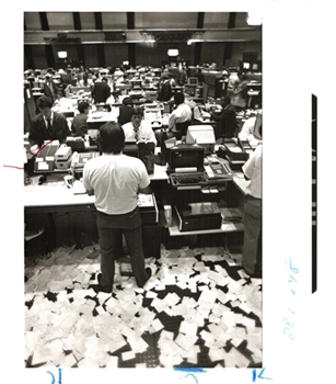 Chicago Tribune Photo Archive – Midwest Stock Exchange The Final Moments