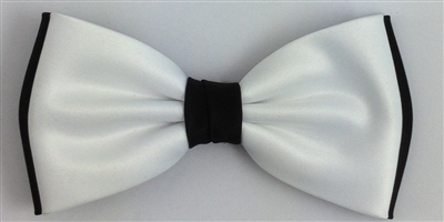 936 Regular white on black bow