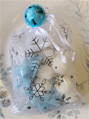 Peppermint Snowballs and Vanilla Bows Gift Bag