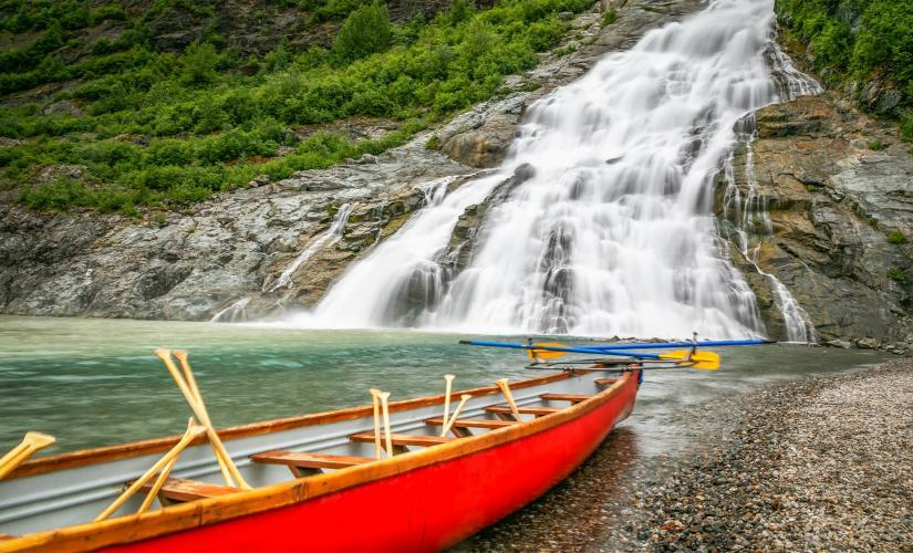 Canoe Adventure at Mendenhall Lake and Glacier in Juneau, Southeast Alaska