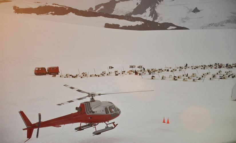 Juneau Dog Sled Tour with Helicopter Flight in Alaska
