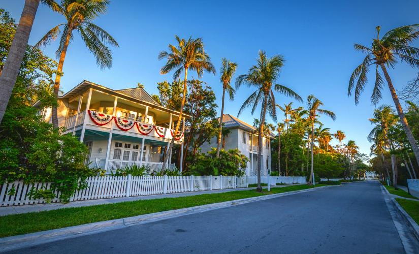 World Famous Conch Tour Train & Truman Little White House in Key West