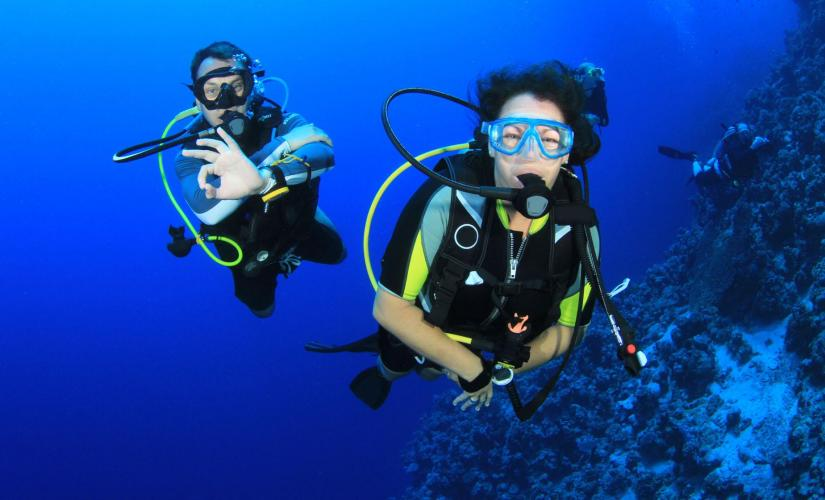 Beginner's Scuba Diving PADI Instructor in Roatan