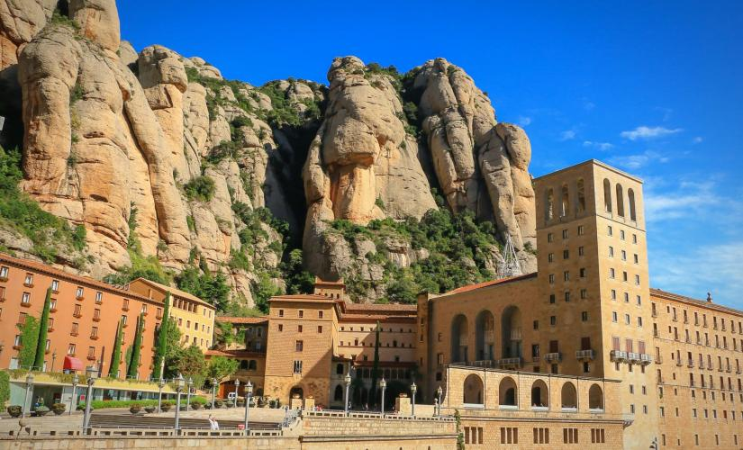 Exclusive Montserrat and Cava Trail Day Trip from Barcelona (Sant Sadurni d'Anoia)