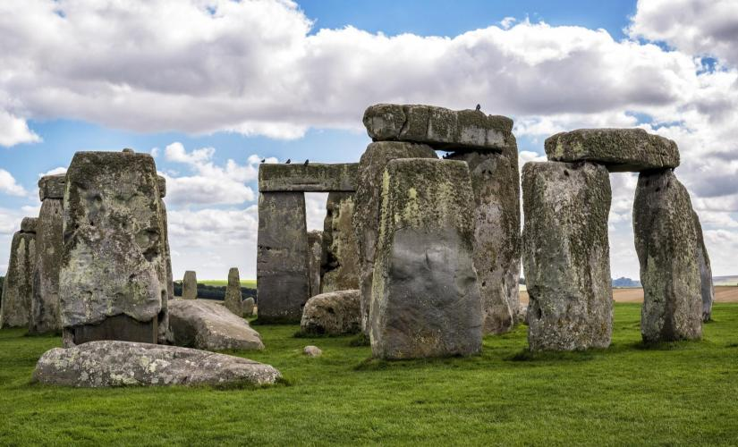 Enchanting English Countryside Tour (Stonehenge, Stratford, Holy Trinity Church)