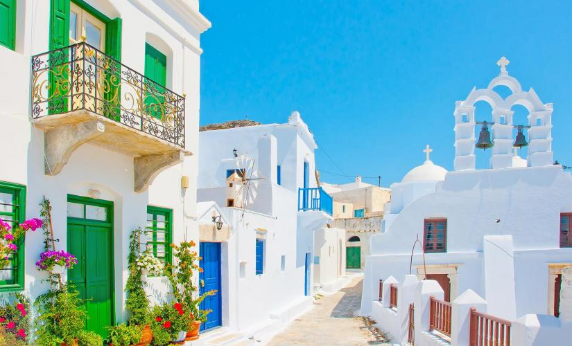 Private Art and Architecture Guided Tour in Santorini (Pyrgos, Mesa Gonia)