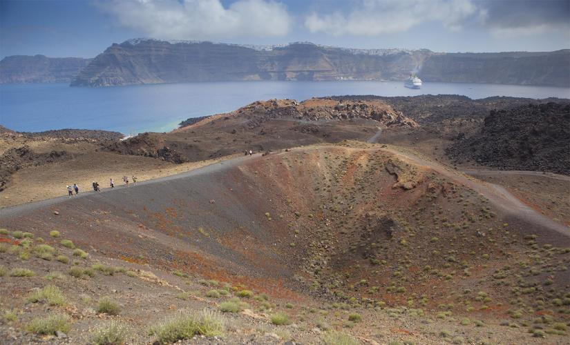 Private Group Volcano, Hot Springs, and Winery Tour in Santorini (Nea Kameni)