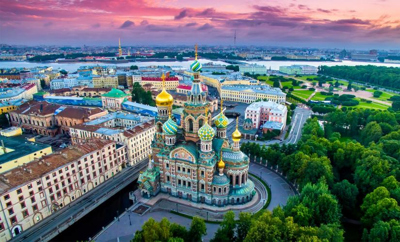 2 Day Imperial Saint Petersburg Highlights Tour with Spanish Guide
