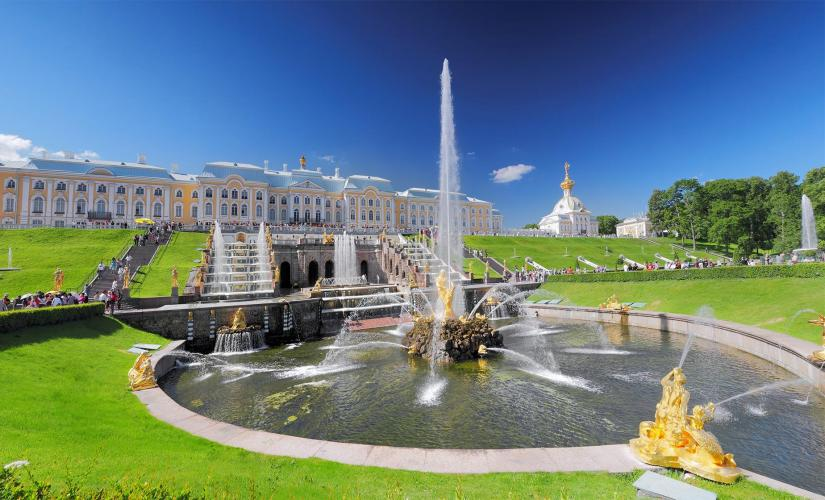 Private Peterhof Gardens and Fountains Tour in St. Petersburg (Neptune Fountain)