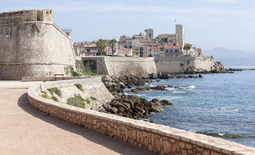 Private Antibes and Cannes Tour from Villefranche (Croisette Boulevard)