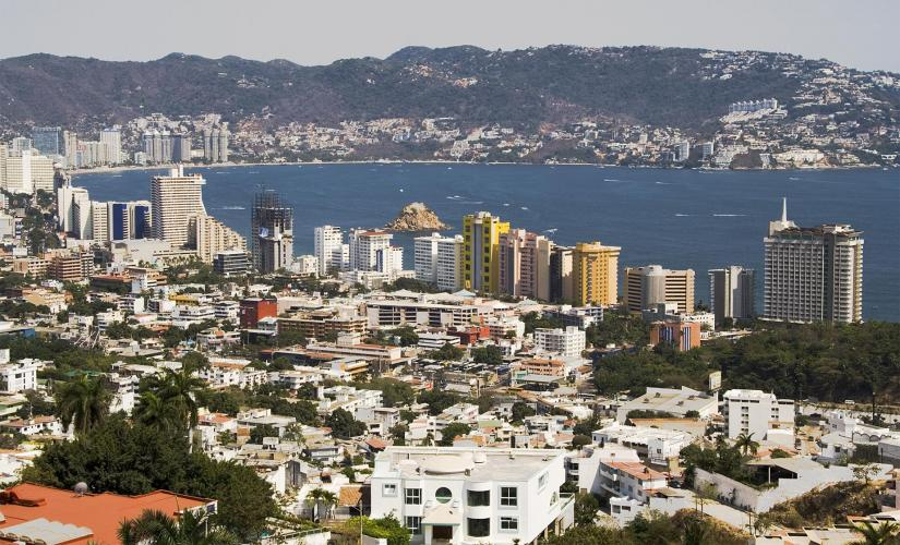 Acapulco City Orientation with Cliff Divers Tour in Acapulco (Costera Miguel Aleman)