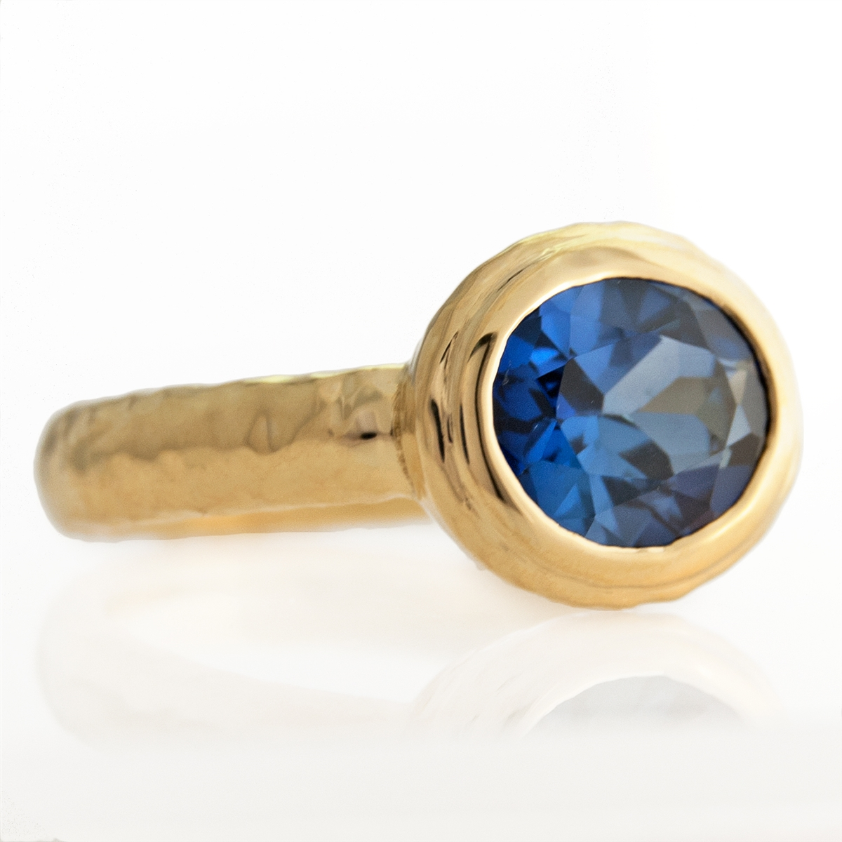 Medallion Ring Sapphire Blue