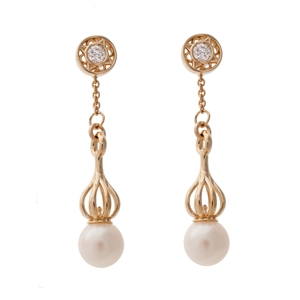 Versa Pearl Drops with Florentine Diamond Studs