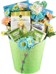 Chicken Soup for Soul Gift Basket - A combination of books to entertain and treats to delight.