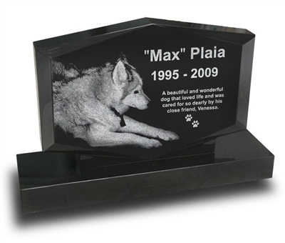 Diamond Shape Pet Upright Monument