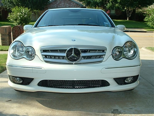 Mercedes benz w203 c class grill for Mercedes benz grille
