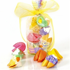 Decorated with eggs this little cello bag is an adorable addition to any Easter basket. Comes filled with 6 gourmet fortune cookies.