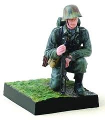 Approach to Stalingrad, Autumn 1942 - Kneeling German Soldier