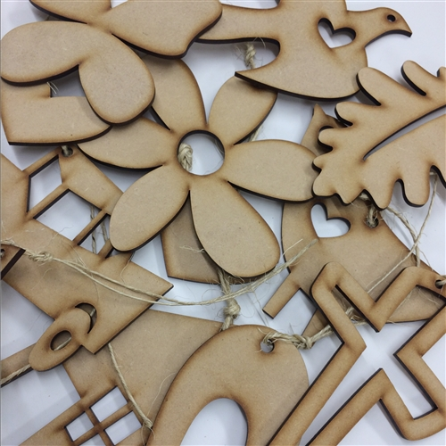 Mix of 12 Natural Ornaments/Hang Tags