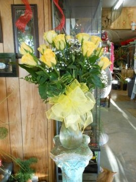 Yellow Long Stem Roses Dozen