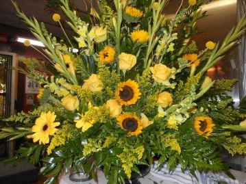 Yellow Spray Metalic Color Urn