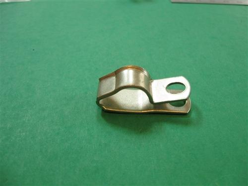 Metal clamp for transmission lines flexible shafts