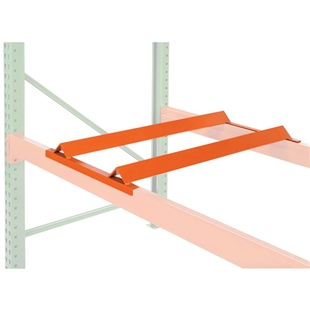 Metal barrel cradles for pallet racking