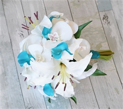 Natural Touch Off-White & Blue Rose Bouquet
