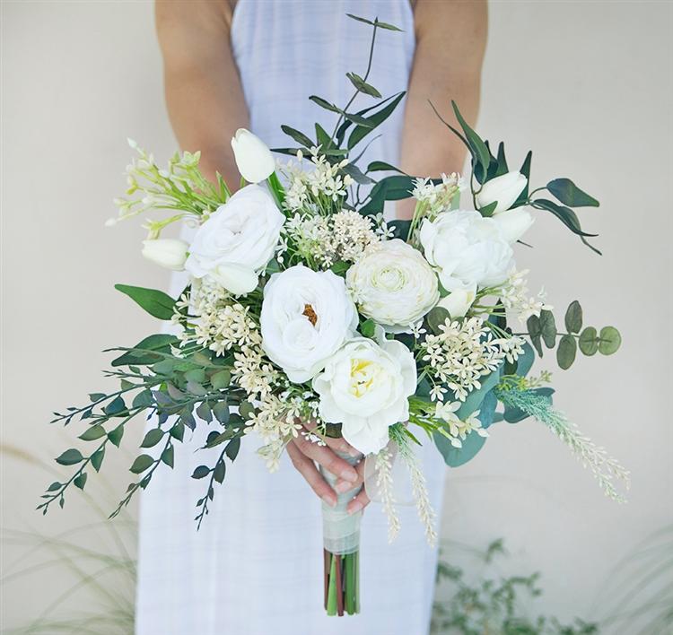 Floramatique Natural Touch Small Calla Lilies Bouquet