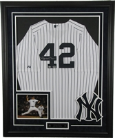 Mariano Rivera Signed and Framed Jersey