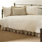 Twin 5-Piece Daybed Quilt Set with Scalloped Edges in Ivory Cream White Beige
