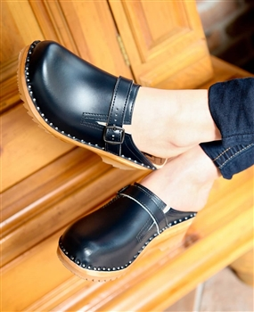 Troentorp Clogs - Raphael - available Black, Navy blue, Cola brown, red
