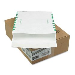 "Tyvek Expansion Mailer First Class 12"" x 16"" x 2"" White 18 Lb. Carton of 100 (QUAR4300)"