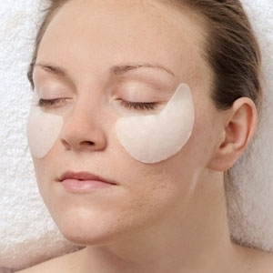 Crow's Feet Eye Pads by uQ (UQ-25)
