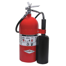 Amerex A61330 10 Pound Stored Pressure Carbon Dioxide 10-B:C Fire Extinguisher For Class B And C Fires With Chrome Plated Brass Valve, Wall Bracket, Hose And Horn