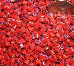 Flower..Assorted Reds..3-4mm NEW!