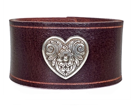 "Heart Medallion 1 1/2"" Wide Leather Cuff / BROWN"