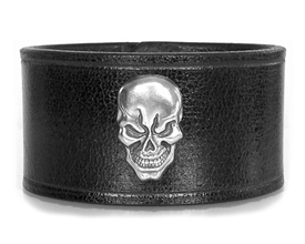 "Skull Medallion 1 1/2"" Wide Leather Cuff / BLACK"
