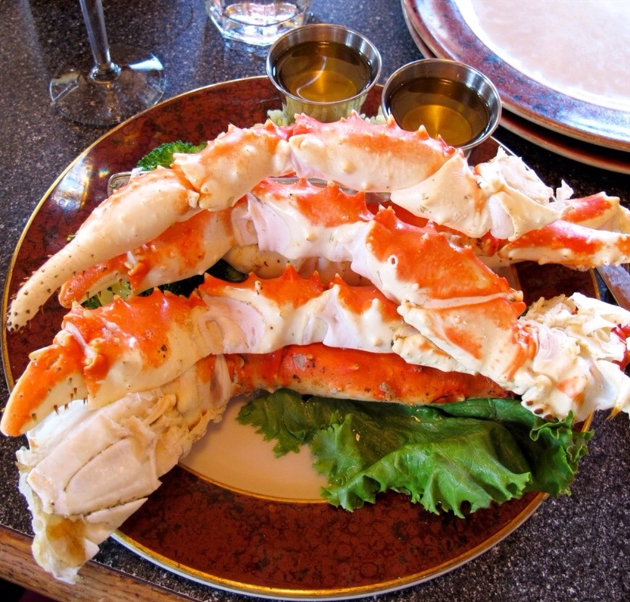 Alaskan king crab legs ideal meat and seafood for Alaskan cuisine traditional