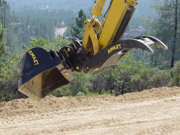 Amulet Tilt Bucket For 40 Ton Excavators 45 Degree Tilt