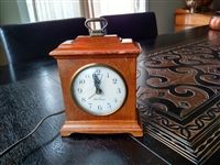 Electric vintage clock