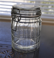 Glass lidded jar with wire closure