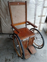 Antique 1900s mobile wheelchair