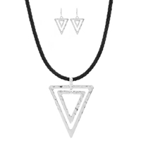 "Triangle 16"" Cord Choker Set"