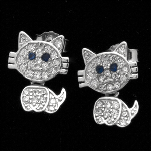 MCER1063-BL - Silver Micropave CZ Cat Blue Eyes Earrings