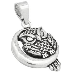 PHP1026 - Silver Owl in Moon Pendant 21mm