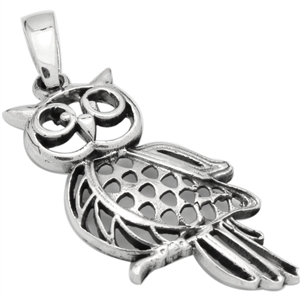 PHP1027 - Silver Owl in Moon Pendant 24mm